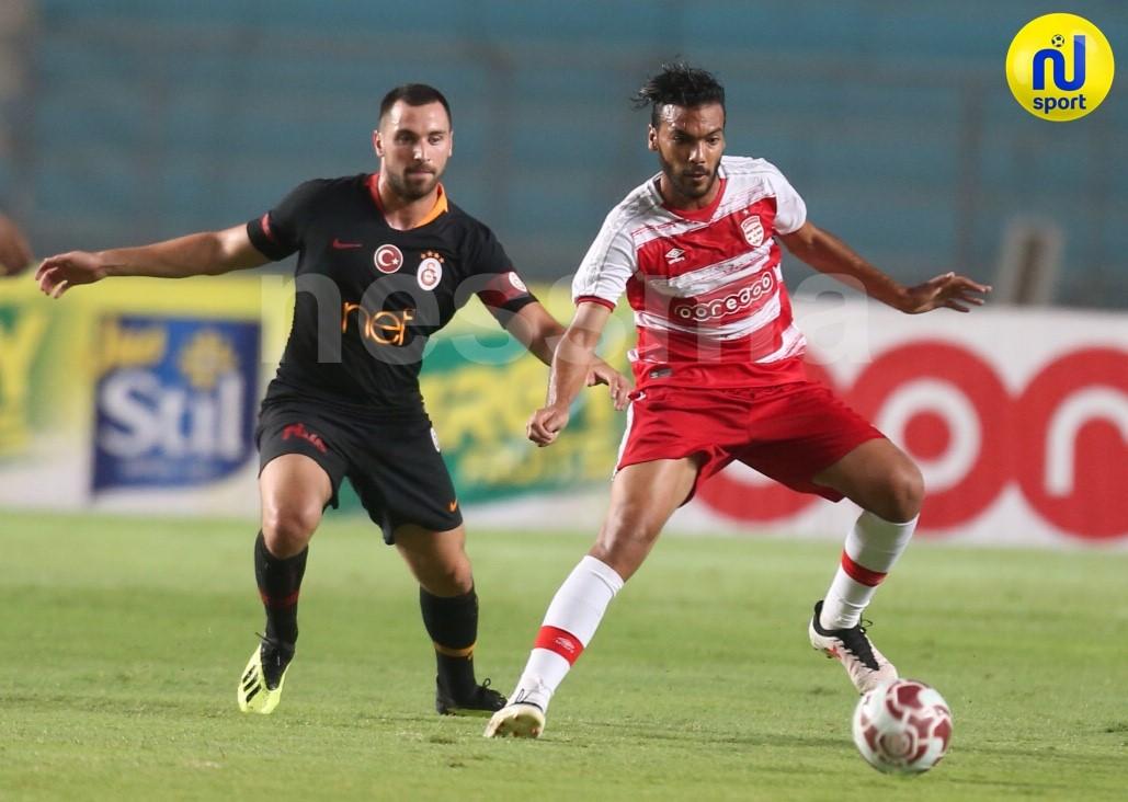 صور الشوط الأول من مباراة النادي الإفريقي وقلعة السرايا التركي