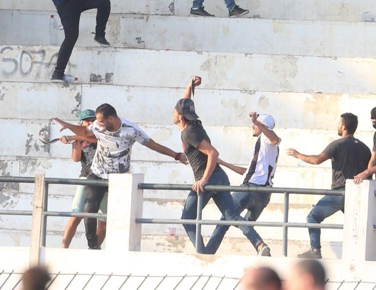 أحداث شغب بين جماهير النادي الصفاقسي اثر المباراة ضد النادي الإفريقي