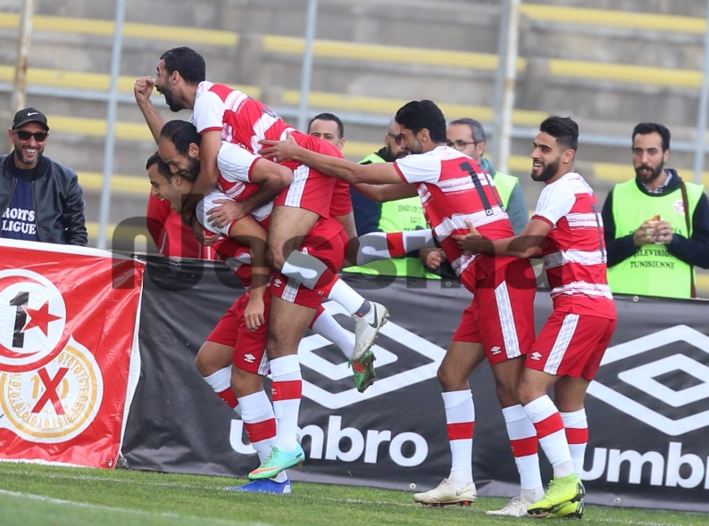 صور الشوط الأول من مباراة النادي الإفريقي ونجم المتلوي