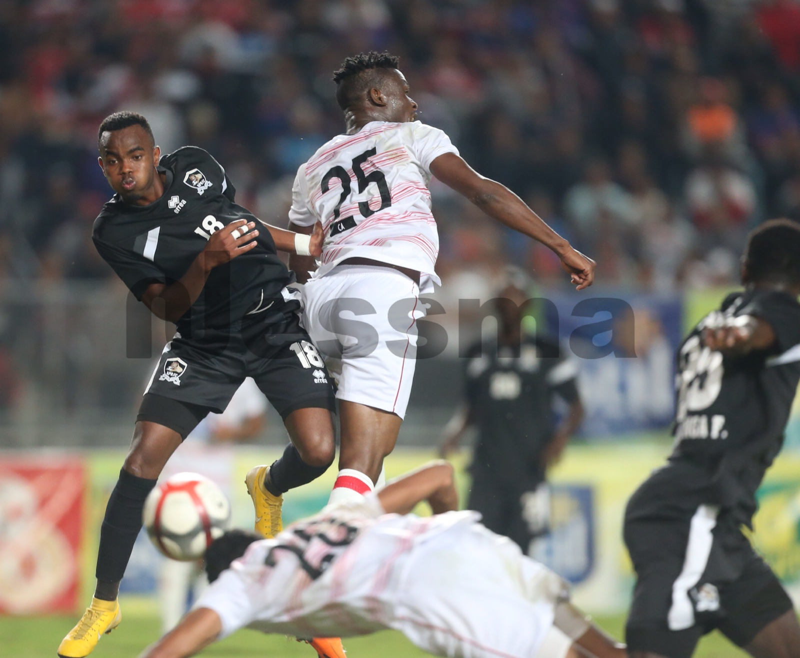 صور الشوط الأول من مباراة النادي الإفريقي و الجيش الرواندي