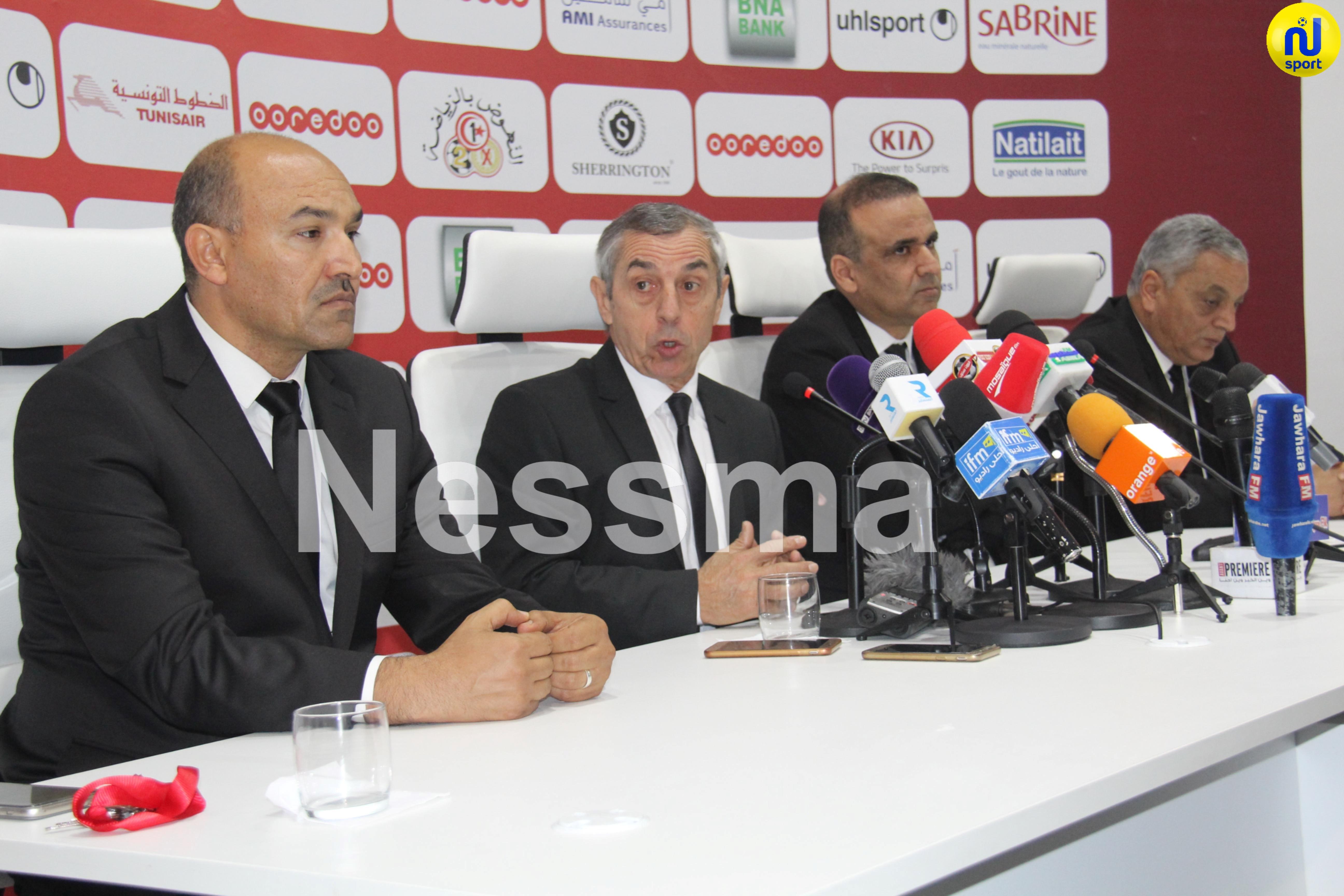 صورة الندوة الصحفية الخاصة بتقديم المدرب الوطني الجديد ألان جيراس