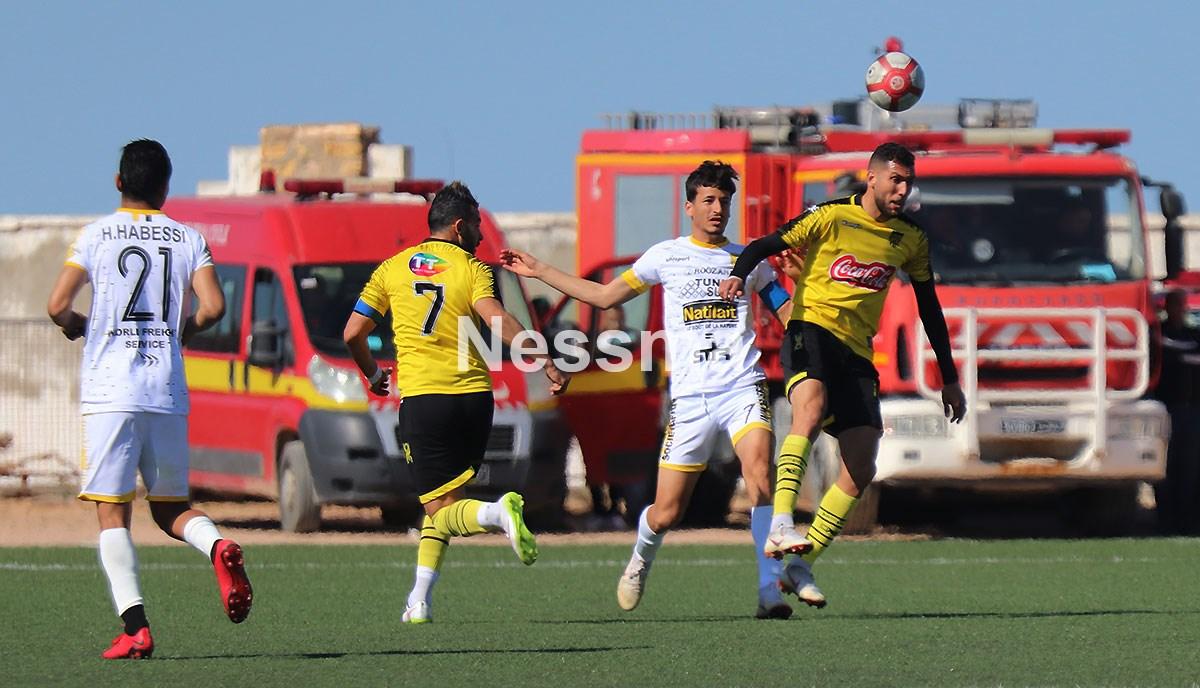 صور من مباراة النادي الرياضي البنزرتي وملعب بن قردان