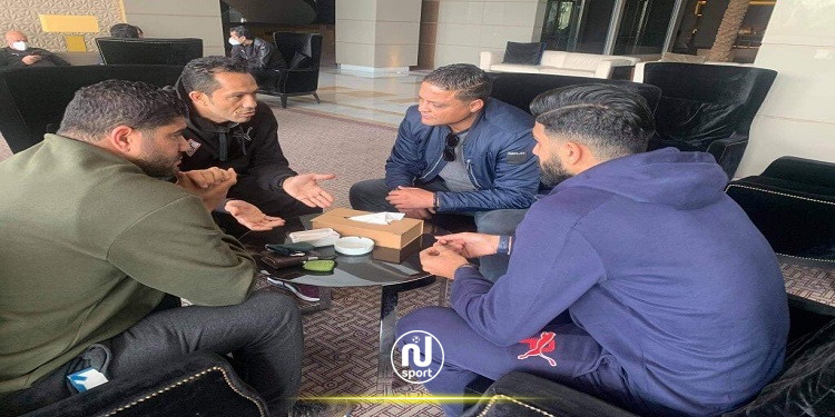 وسام العابدي ويامن بن زكري يزوران وفد الزمالك بتونس
