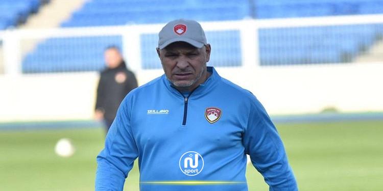 نادي ضمك يعلن إقالة المدرب الجزائري 'نور الدين زكري'