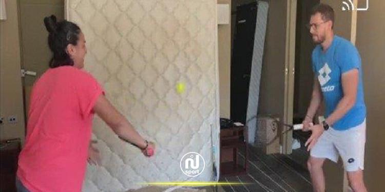 تنس: أنس جابر تتدرب في غرفتها استعدادا لبطولة أستراليا المفتوحة