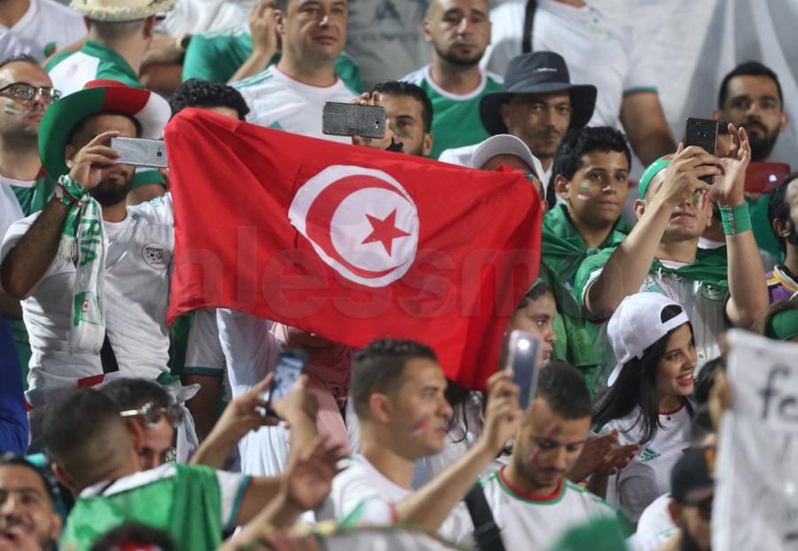 صور الشوط الأول للنهائي القاري بين الجزائر والسينغال