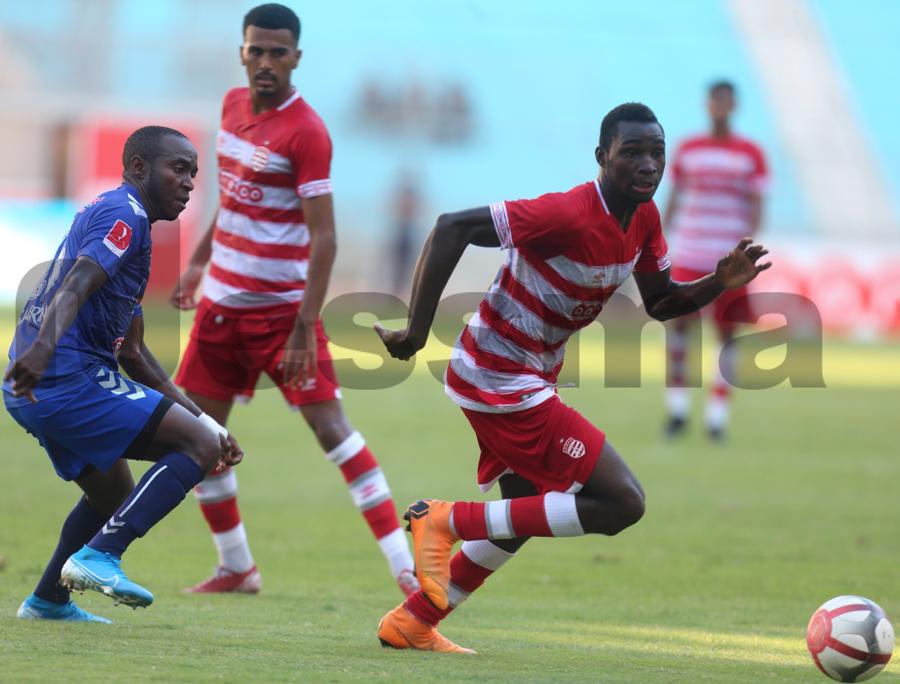 صور الشوط الاول من مباراة النادي الافريقي والاتحاد الرياضي المنستيري
