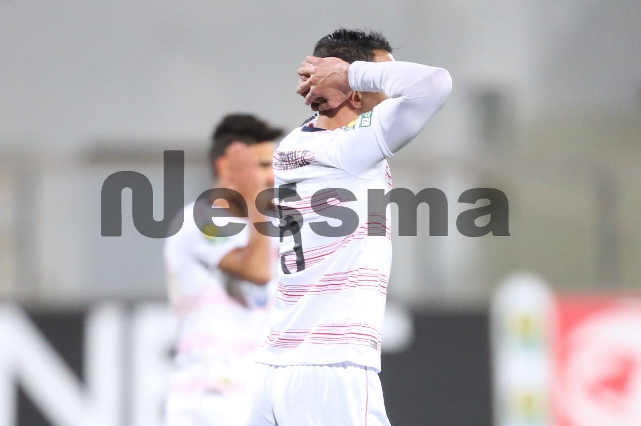 صور الشوط الأول من مباراة النادي الافريقي وقسنطينة الجزائري