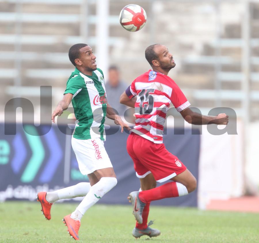 صور الشوط الأول  مباراة النادي الافريقي و  النادي الرياضي لحمام الأنف