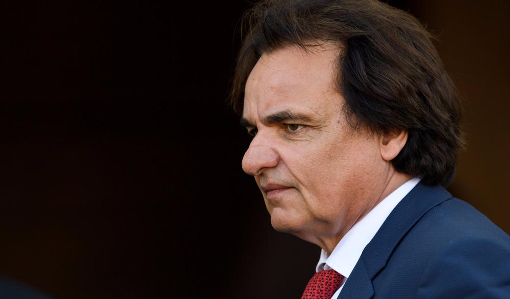 حرمان رئيس نادي سيون السويسري من دخول الملاعب بسبب الاعتداء على محلل تلفزيوني